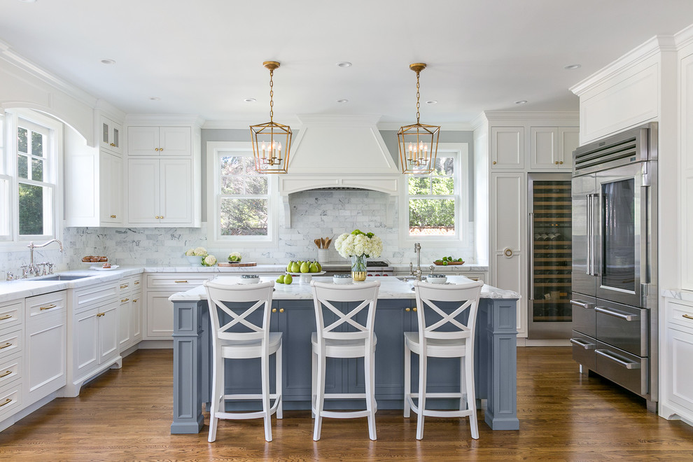 Example of a transitional kitchen design in San Francisco