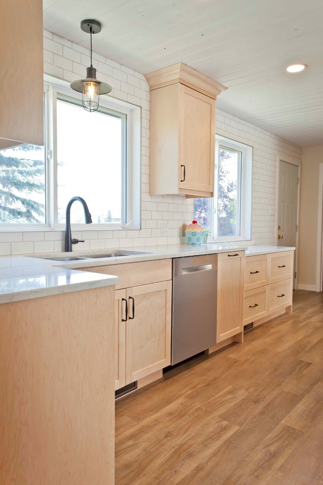 Chic Natural Maple Kitchen Craftsman Kitchen Calgary By Workshop Cabinets Design Inc