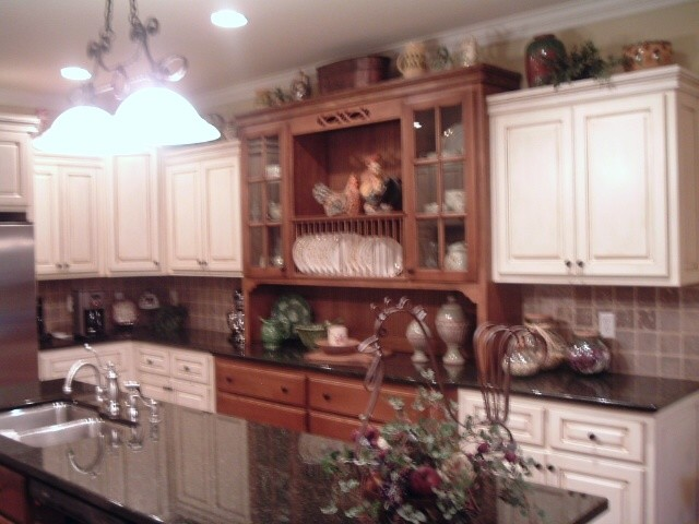 China Cabinet Built In
