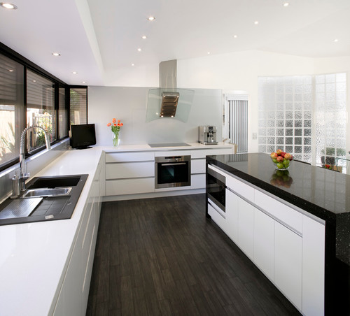 What is the white bench top please for Kitchens chipping norton