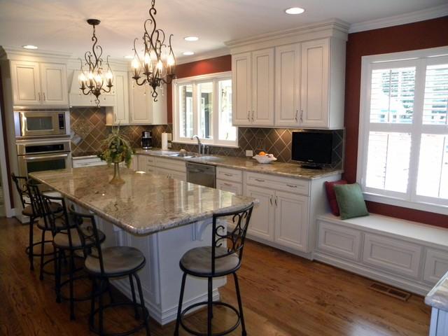 Chiropractic Kitchen Adjustment traditional-kitchen