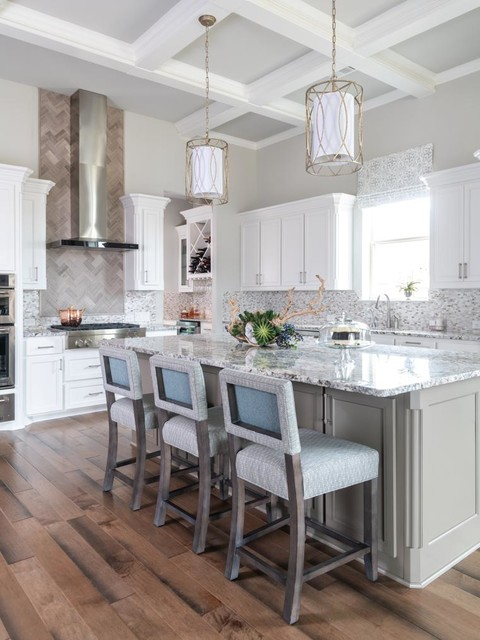 Chisel Edge Granite Island With Counter Stools In