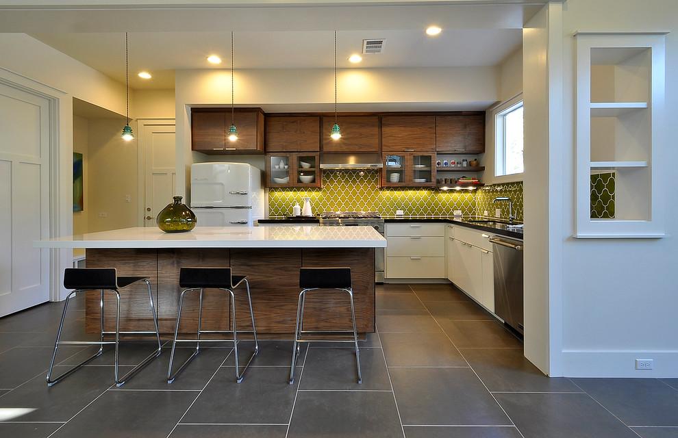 Kitchen - contemporary kitchen idea in Austin with stainless steel appliances