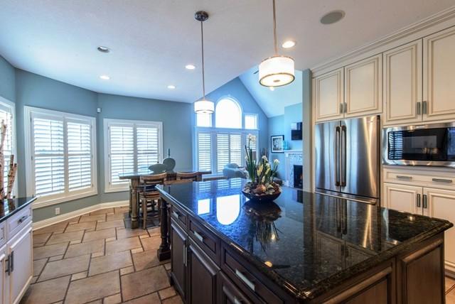 Cindy Friend Design traditional-kitchen