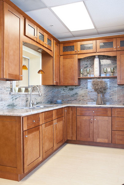 Cinnamon Shaker Kitchen Cabinets Home Design Traditional
