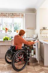 Проект недели: Кухня быстрого доступа для хозяйки в коляске