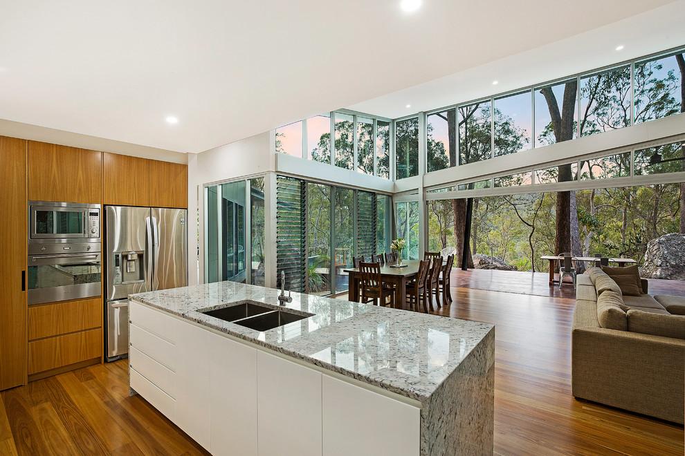Transitional kitchen in Brisbane.