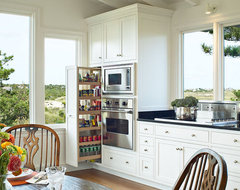 Classic Beach House traditional-kitchen