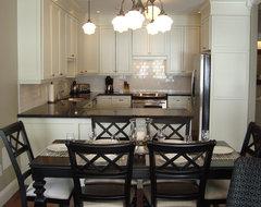 Classic Black and White Kitchen traditional-kitchen