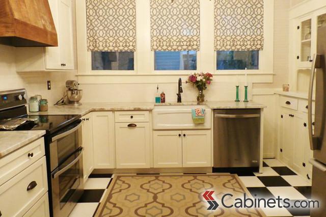 Classic bungalow kitchen with modern touches - Instaladores de cocinas ...