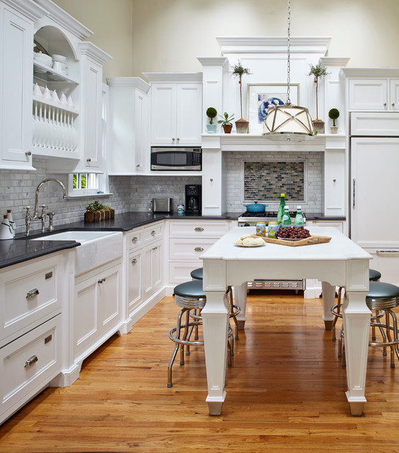 Classic cottage beach style kitchen new york by for New york style kitchen design