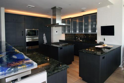 Is this ubatuba granite on black cabinets?