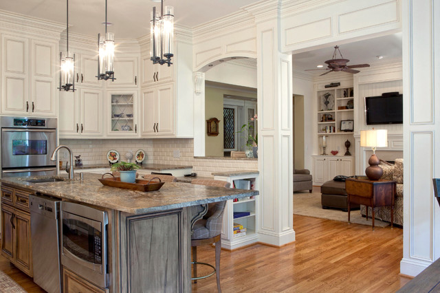 Classic Elegance - Traditional - Kitchen - charlotte - by Walker Woodworking