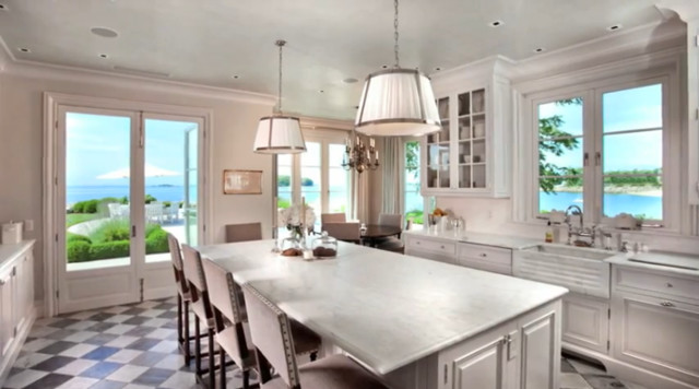 Classic Fairfield Home traditional-kitchen