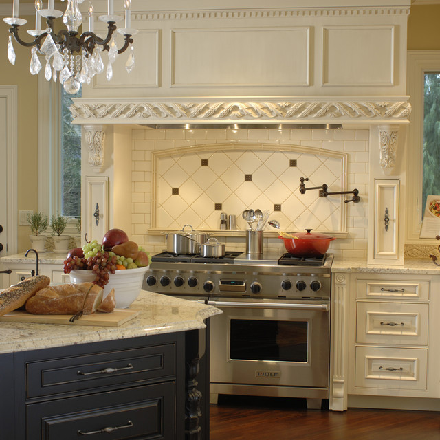 20 Ways To Create A French Country Kitchen: Classic French Kitchen