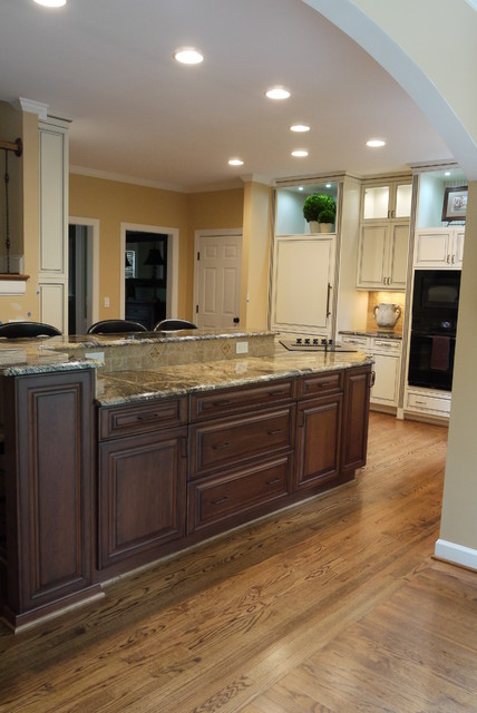 Classic kitchen traditional kitchen raleigh by for Classic traditional kitchen