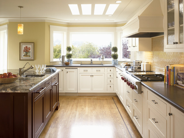 Classic Kitchens traditional-kitchen