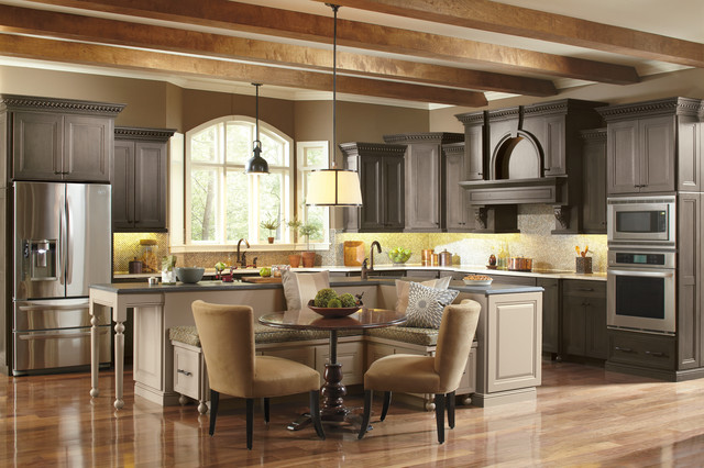 Classic kitchens for Classic kitchen