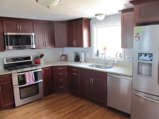 Classic Maple Kitchen traditional-kitchen