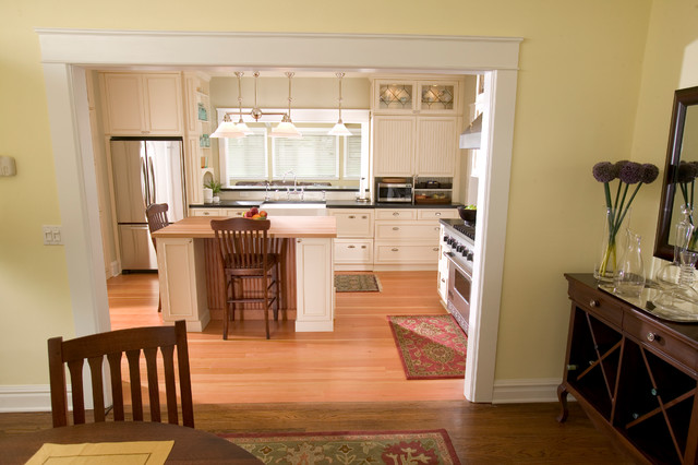 Classic Portland Home traditional-kitchen