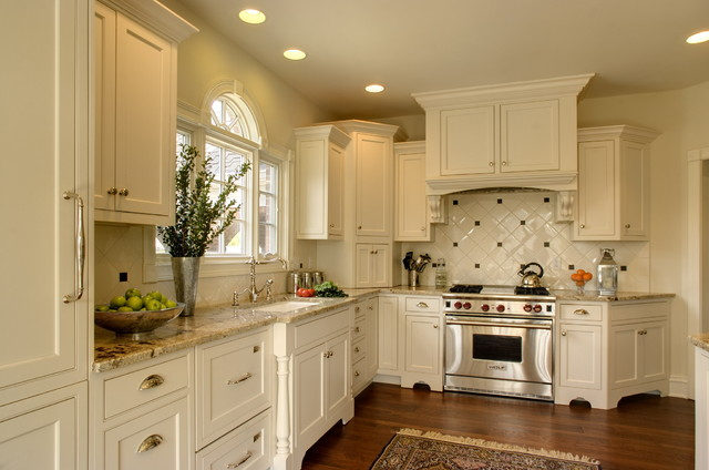 Superb Traditional L Shaped Kitchen Idea In Indianapolis With Granite Countertops,  An Undermount Sink,