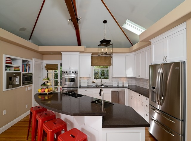 Classic Tailored Bungalow traditional-kitchen