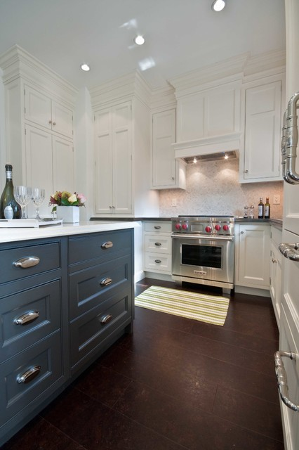 Toronto classic renovation traditional kitchen for Classic kitchen cabinets toronto