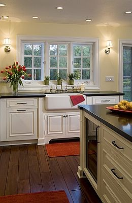 Classic Traditional Inset traditional-kitchen