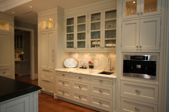 Classic traditional kitchen cabinets in contemporary heritage style home  kitchen
