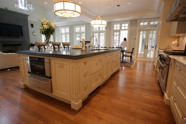 Vancouver Classic Traditional Kitchen Kitchen Vancouver By Wesley Ellen Design Millwork