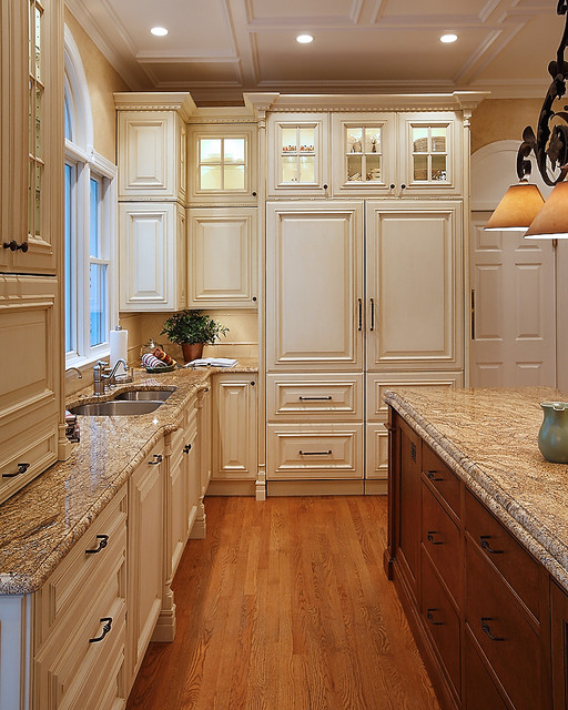 Classic Traditional Kitchen traditional-kitchen