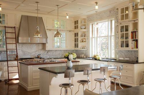 Classic vintage traditional-kitchen