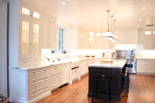 Classic White traditional kitchen