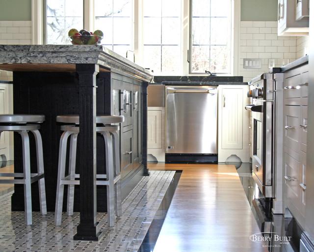 Classic white kitchen. traditional-kitchen