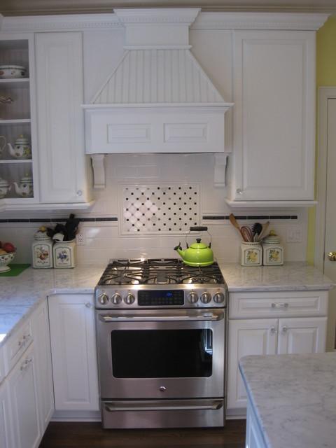 Classic white kitchen traditional kitchen detroit for Classic traditional kitchen