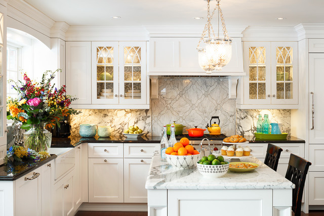 Classic white kitchen design by astro ottawa for Traditional white kitchens