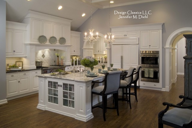 Classic White Kitchen Traditional Cleveland