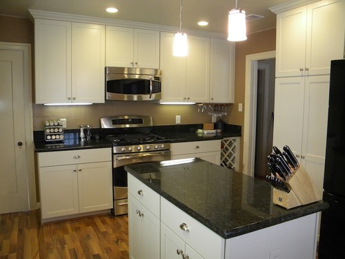 Pics Of Uba Tuba Granite With White Cabinets Please