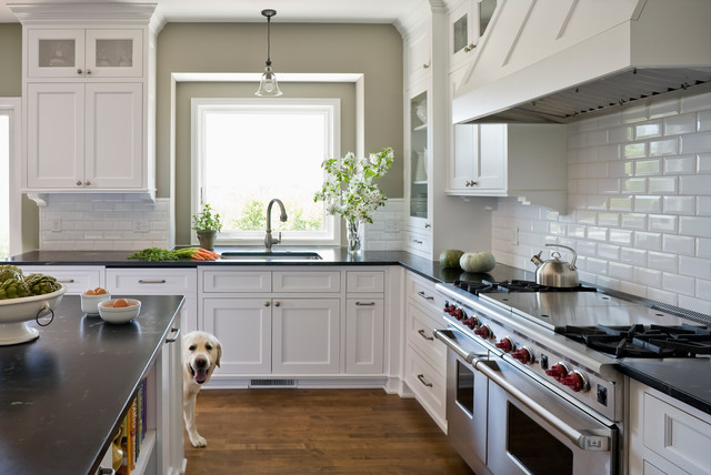 Classic White Kitchen Inspired by Something\'s Gotta Give ...