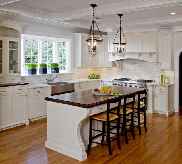 Traditional White Kitchens: Classic White Kitchen