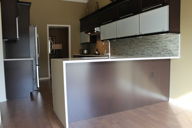 Clean And Contemporary With A Lot Of Contrast Contemporary Kitchen Detroit By Kurtis