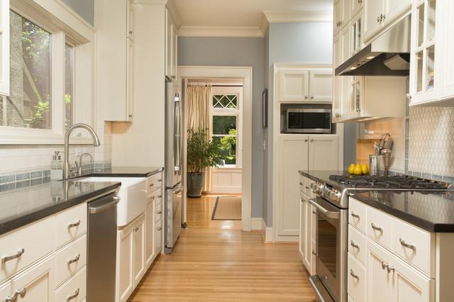 Clean Traditional Kitchen Traditional Kitchen Portland By Kirstin Hav