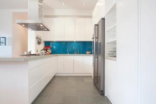 Clerkenwell WC1: Minimalist Professional Home - Modern - Kitchen - London