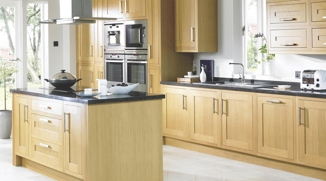 Clevedon Shaker Style Solid Oak Kitchen Rustic Kitchen Hampshire - Kitchen pendant lighting bandq