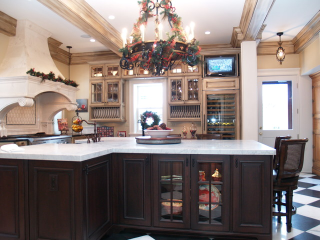 CLEVELAND HTS traditional-kitchen