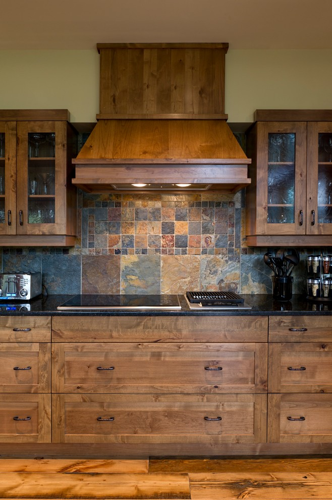 Cliffhanger Cabin Traditional Kitchen Calgary By Quiniscoe Homes 20 20 Ltd