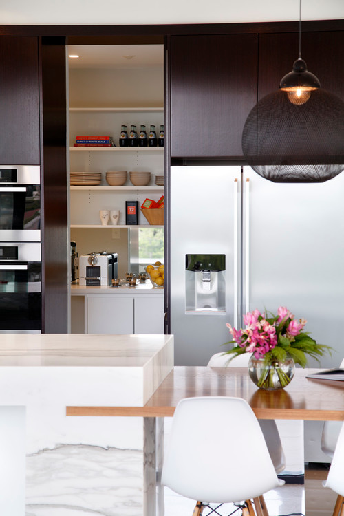 Not a fan of kitchen clutter? 7 Kitchens that solve counter space conundrums
