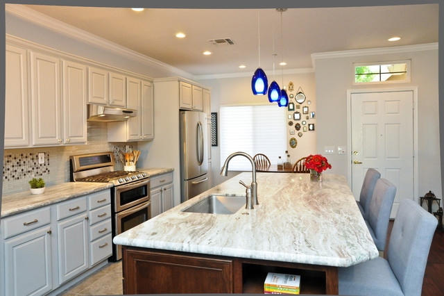 Cloverdale traditional-kitchen