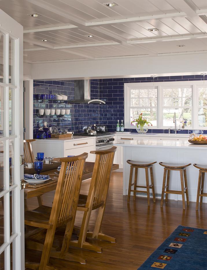 Beach style kitchen photo in Bridgeport