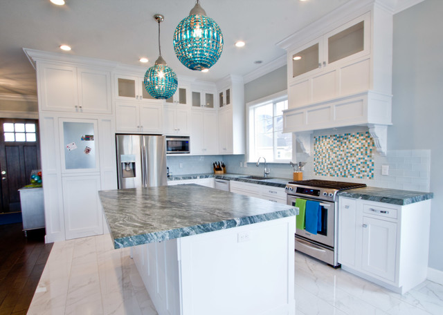 Coastal craftsman transitional kitchen for Coastal craftsman interiors